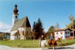 kirche-ponys.jpg